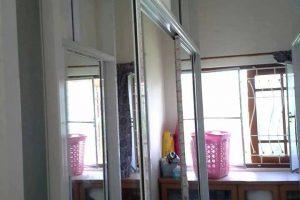 งานตู้เสื้อผ้า อลูมิเนียมและกระจกเงา